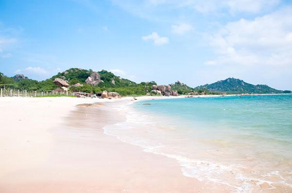 Bãi biển Hồng Vân