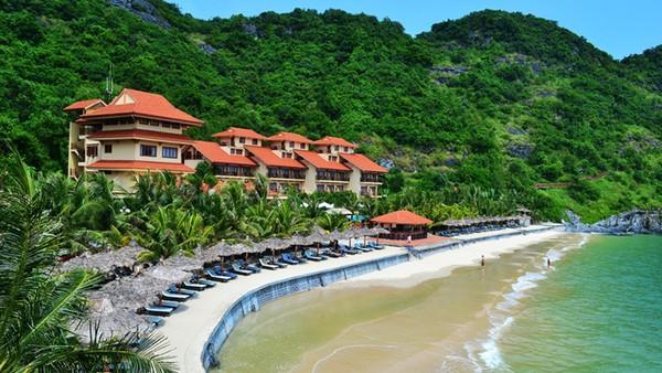 Khách sạn bên bờ biển