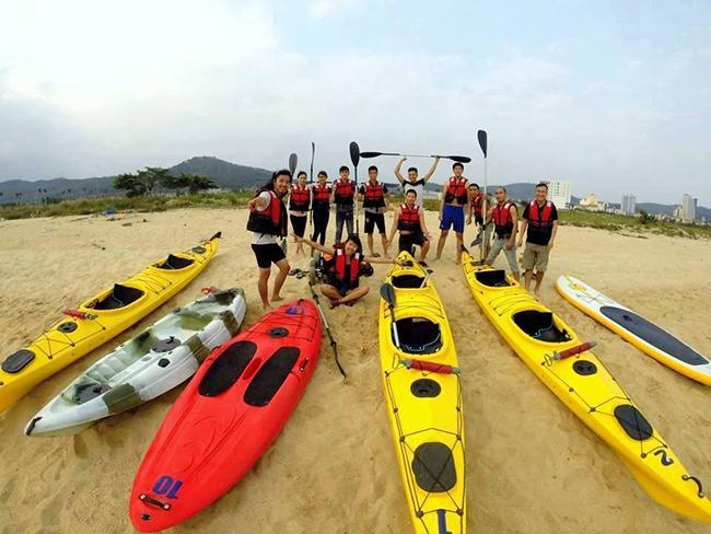 Cheo-thuyen-kayak-o-coto-park
